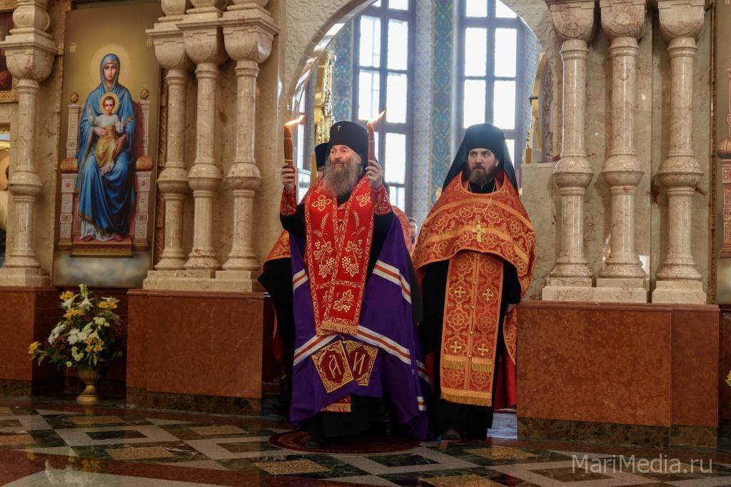 Православные Марий Элполучили Благодатный огонь