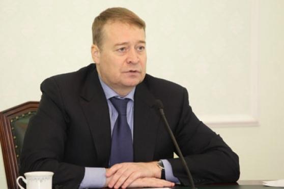 Леонид Маркелов дал указания своевременно выплачивать зарплату бюджетникам