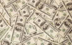 Эксперты предсказывают падение доллара до 40 рублей