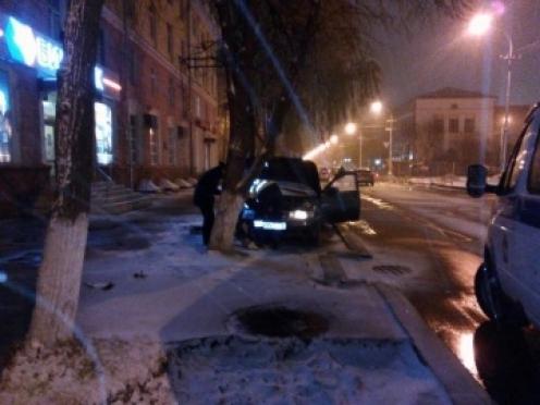 Нетрезвый угонщик пытался скрыться с места ДТП в самом центре города