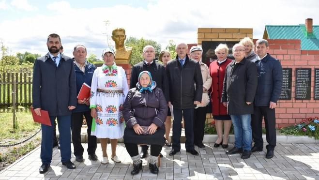 В Марий Эл открыли бюст Герою Советского Союза