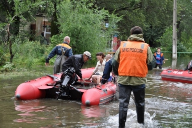 Сотрудники МЧС РФ по Марий Эл работают в подтопленном Хабаровском крае