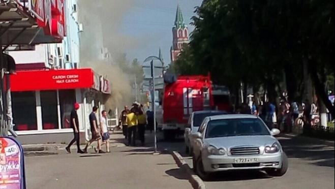 На бульваре Чавайна в Йошкар-Оле горит обувной магазин