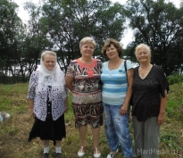 Антуанетта, Рипсиния, Офелия принимают поздравления с 8 Марта