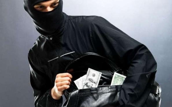 В Марий Эл бандиты в масках похитили около миллиона рублей с оптовой базы