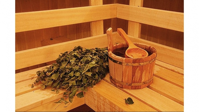 Окунание в прорубь йошкаролинцы традиционно завершают в бане