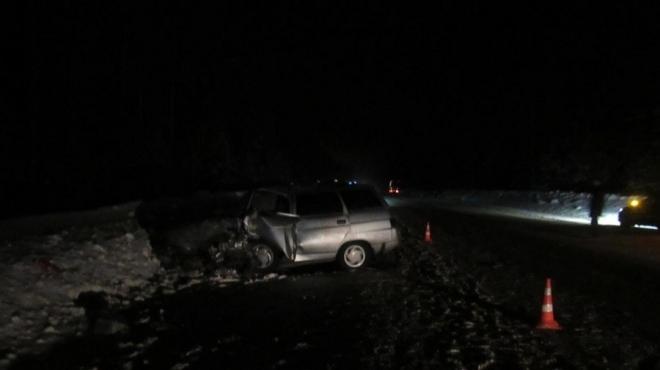 Женщина-водитель попала в больницу после столкновения трёх автомобилей