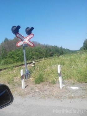 На железнодорожных переездах дежурят сотрудники ГИБДД