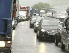 В столице Марий Эл до сих пор затруднено движение транспорта в привокзальной части
