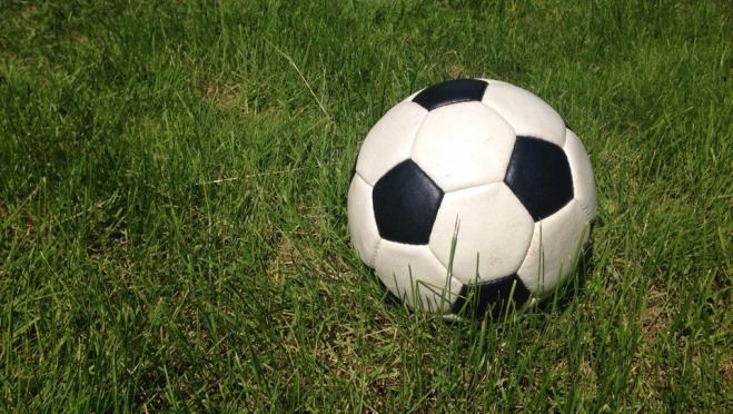 В турнирной таблице зимнего чемпионата Марий Эл по футболу по-прежнему двоевластие