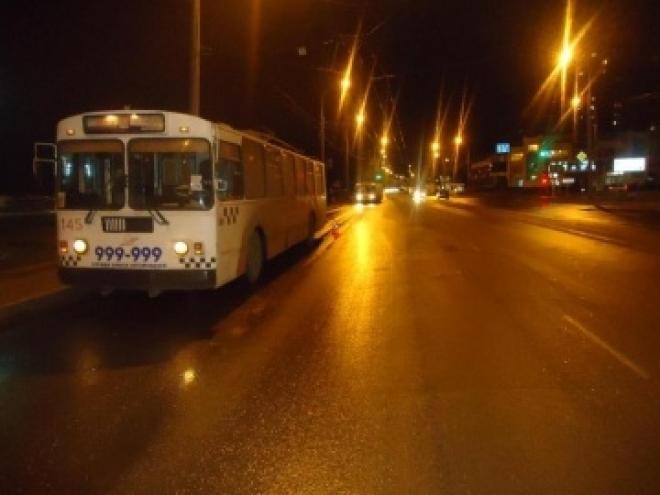 В Йошкар-Оле 66-летняя пенсионерка упала под троллейбус