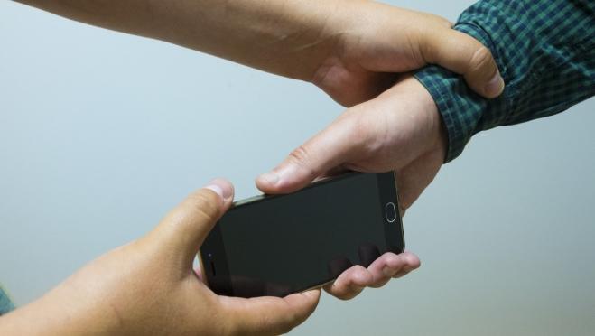 Житель Йошкар-Олы из-за своей подозрительности остался без телефона
