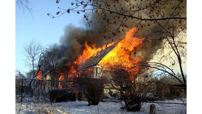 Пожарные Марий Эл начали год с тушения пожара в Йошкар-Оле