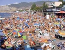 Материнский капитал хотят разрешить тратить на отдых в Крыму