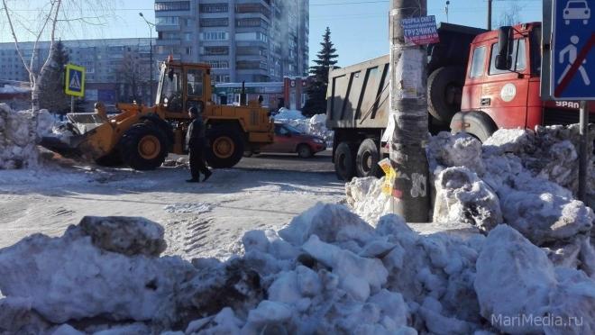 В Йошкар-Оле за сутки на снежную вывезено 1,7 тысячи кубометров снега