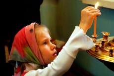 Православные верующие вступили в Рождественский пост
