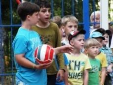 В Йошкар-Оле, как и во всей России, сегодня пропагандируют дворовый спорт