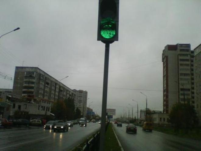 Жители Сомбатхея игнорируют сигналы светофора
