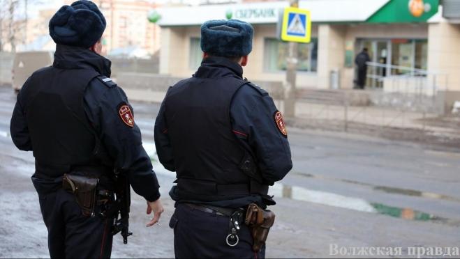 В Волжске была попытка повредить банкоматы, расположенные на улице Шестакова