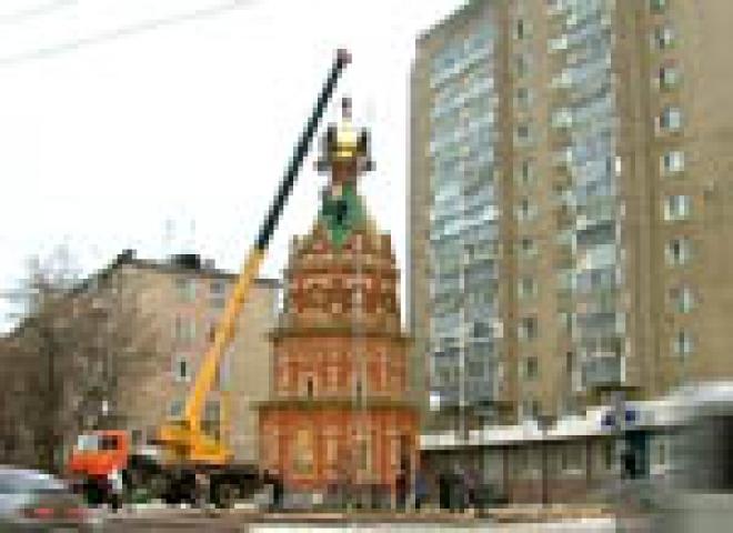 Сегодня на строящейся в Йошкар-Оле часовне Николая Чудотворца появился крест