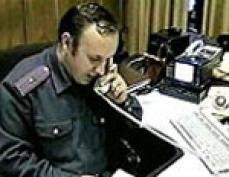 Телефон в дежурной части ГИБДД УВД Йошкар-Олы разрывается от телефонных звонков