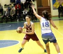 Баскетболистки из Йошкар-Олы дважды проиграли в Сыктывкаре