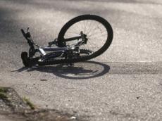 Автоледи сбила двух несовершеннолетних девочек