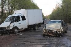 В Звениговском районе дорогу не поделили «Газель» и иномарка