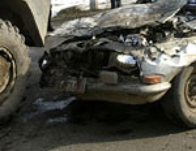 В Марий Эл иномарка протаранила четыре автомобиля