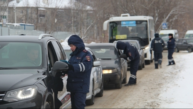 В Марий Эл внимание инспекторов ГИБДД приковано к машинам с детьми