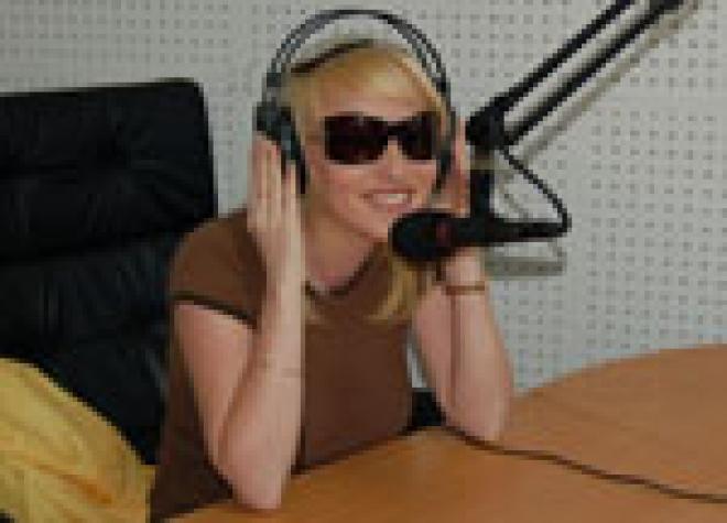 """Самая известная блондинка телеканала """"СТС - Ола ТВ"""" Екатерина Белова стала гостем двух радиостанций"""
