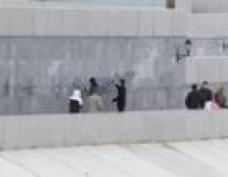 Йошкар-олинских подростков с родителями заставили мыть набережную р.М.Кокшага