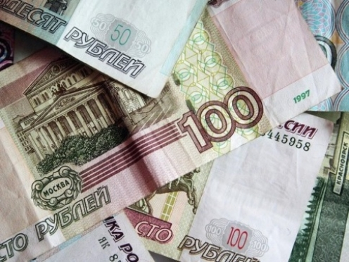Депутаты предлагают установить минимальную оплату труда 100 рублей в час