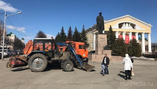 В Йошкар-Оле дан официальный старт месячнику по уборке городской территории