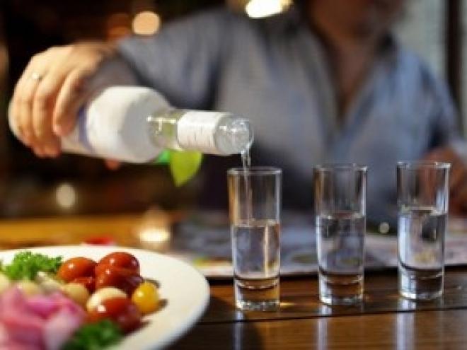 Лицензию на крепкий алкоголь решили разделить между монополистами