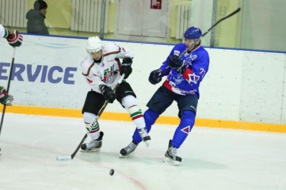 Волжская «Ариада» продолжает подготовку к новому хоккейному сезону