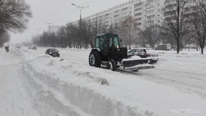 Частный автотранспорт мешает механизированной уборке улиц в Йошкар-Оле