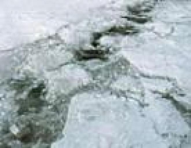 В Горномарийском районе Марий Эл три автомобиля ушли под лед