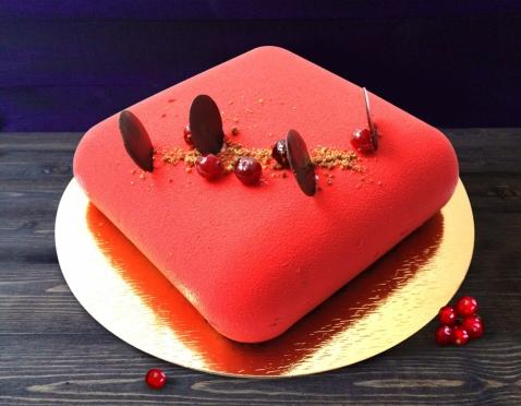 """Встречайте, наш подарок любимому городу - шоколадно-клюквенный торт """"Красный город""""!"""