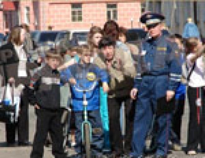 ГИБДД столицы Марий Эл разыскивает ЮИД-овцев с 30-летним стажем