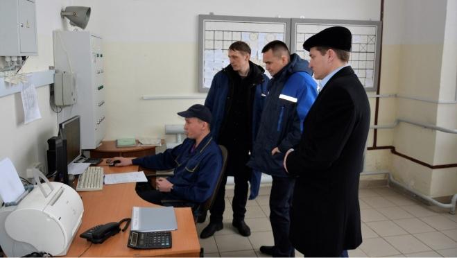 Сергей Казанков обсуждал проблему ценообразования молока с республиканскими чиновниками и жителями села