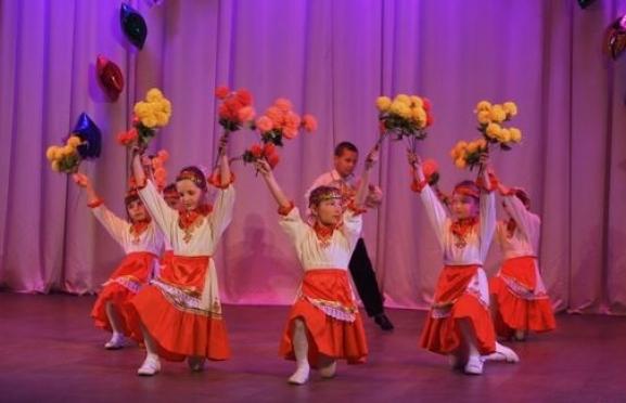 Гала-концерт окружного фестиваля «Звездный час» проходит в Йошкар-Оле