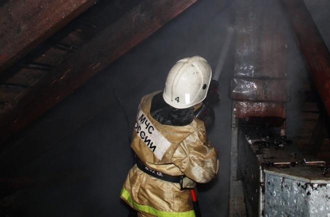 Пожарные Йошкар-Олы вынесли из горящей квартиры 84-летнюю хозяйку