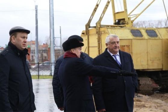 Леонид Маркелов осмотрел строительство проспекта 70-летия Победы