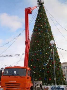 В Йошкар-Оле зажгли главную новогоднюю ёлку