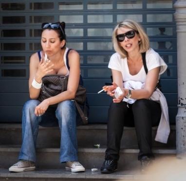 Депутаты Госдумы РФ намерены наложить табу на продажу сигарет молодым мамам