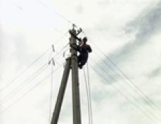 В г.Волжске третьи сутки электрозапитка домов идет от передвижной электростанции