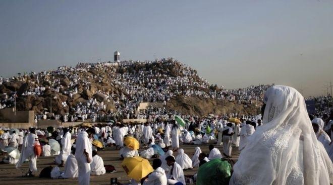 Паломники отправились к горе Арафат