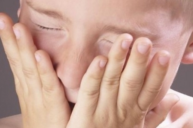 Учительница рисования разбила нос 9-летнему школьнику