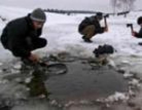 4 человека оказались в ледовом плену (г.Йошкар-Ола, Марий Эл)